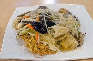 fried noodles w/braised tofu & mushrooms | by h-bomb