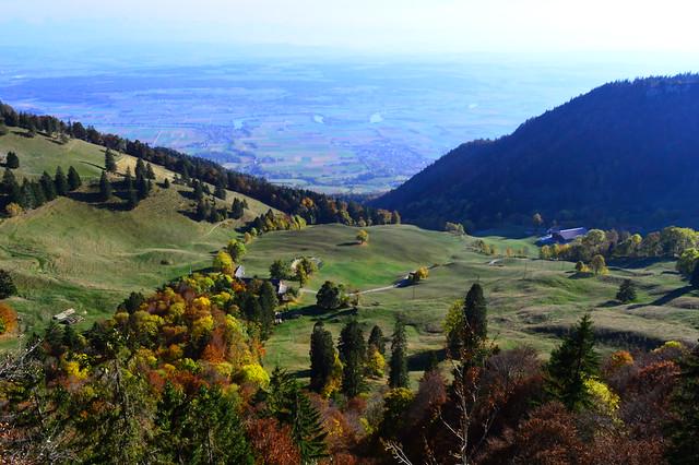 Blick vom Grenchenberg auf die Aare zwischen Bettlach und Selzach