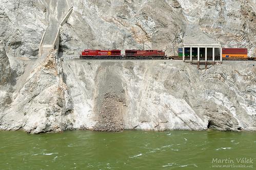 whitecanyon canadianpacific canadiannational rail railway railroad train locomotive zug eisenbahn vlak železnice thompsonriver ashcroftsubdivision lytton es44ac generalelectric gevo ac4400cw ac4400cwm