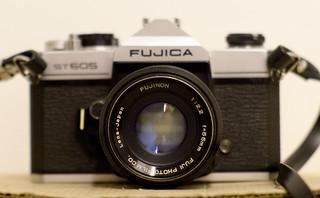 Fujinon 55mm F2.2 | by The lens profile