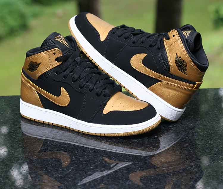 premium selection 28cce 444f4 ... Nike Air Jordan 1 Retro High GS Melo PE Series Black Gold 705300-026  Size