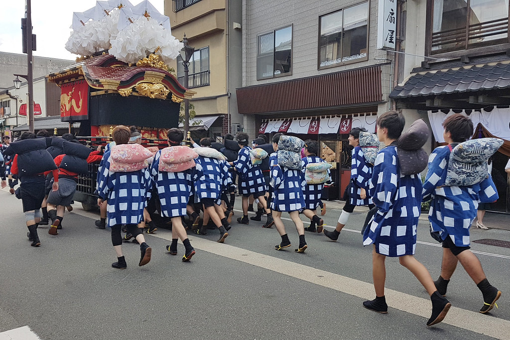 On the move at Kinosaki danjiri festival