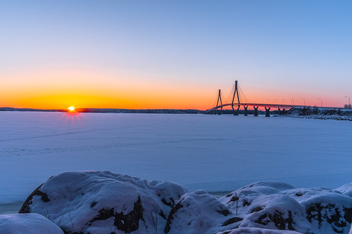 replot bridge ostrobothnia korsholm raippaluoto finland winter sunset evening february landscape icy sea seaside seashore kvarken sony a6500 1650