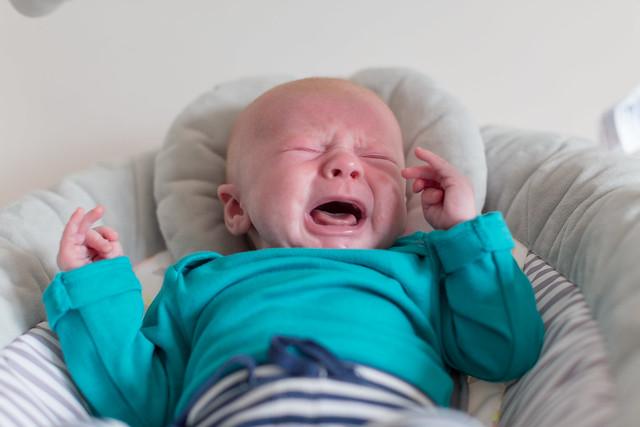 Crying baby & mum, bottle feeding problems: IMG_6950