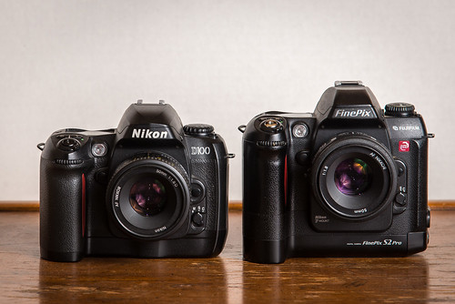 Duel // Nikon D100 (2002) / Fujifilm S2 Pro (2002) | by maoby