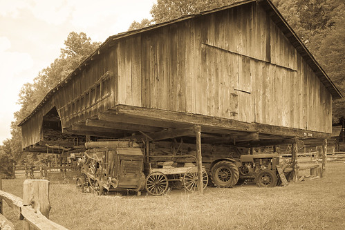 cantilever museumofappalachia overhang inexplore barns vintagebarns barnsofappalachia appalachianbarns monochrome tinted