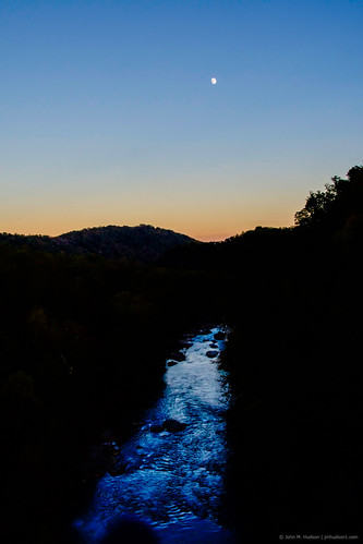 autumn trees sky moon mountains tree nature water forest river outdoors virginia woods outdoor air 2018 grouped sunset twilight dusk bluehour favorited nikond500