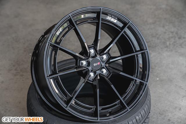 Savini SV-F1 - Gloss Black