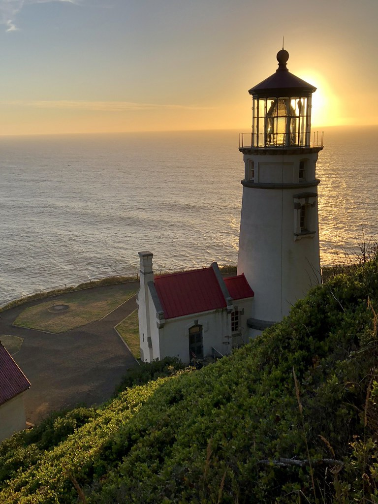 Haceta Head Lighthouse, Oregon Coast | I can't believe that
