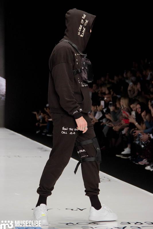 mercedes_benz_fashion_week_black_star_wear_007