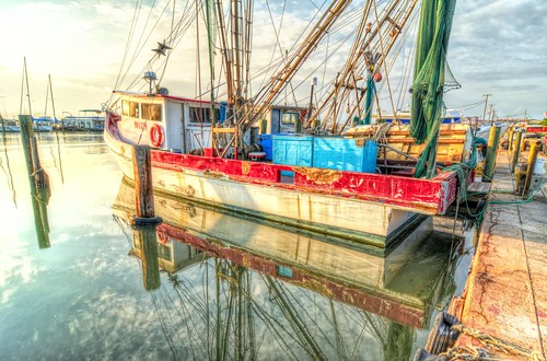fultonharbor texas shrimpboat sunrise water reflection pier morning moored south southernstyle