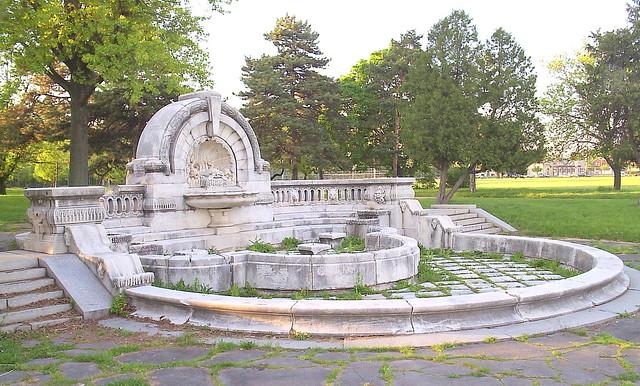 Palmer Park: Merrill Fountain--Detroit MI