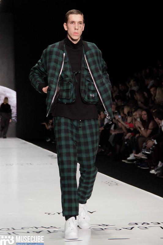mercedes_benz_fashion_week_black_star_wear_012