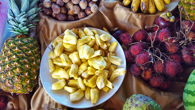 Jackfruit arils and other tropical fruit 20180323_050521