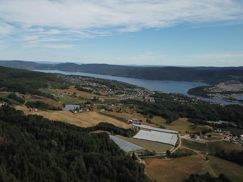 29-Svelvik fra Utsikten (drone)