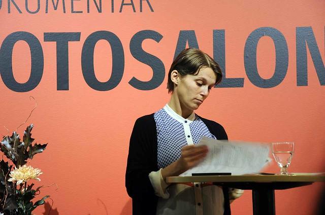 Josefine Höijer läser på
