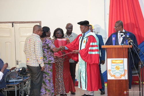 Prof Oduro being acknowledged by staff of the College of Distance Education