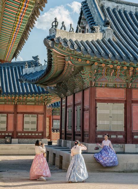 Hanbok photographs at Gyeongbokgung Palace DSC_0188