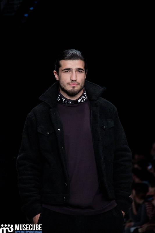 mercedes_benz_fashion_week_black_star_wear_034