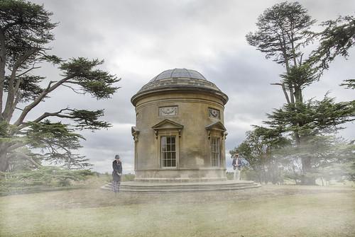 Rendevous in the mist; David Allen