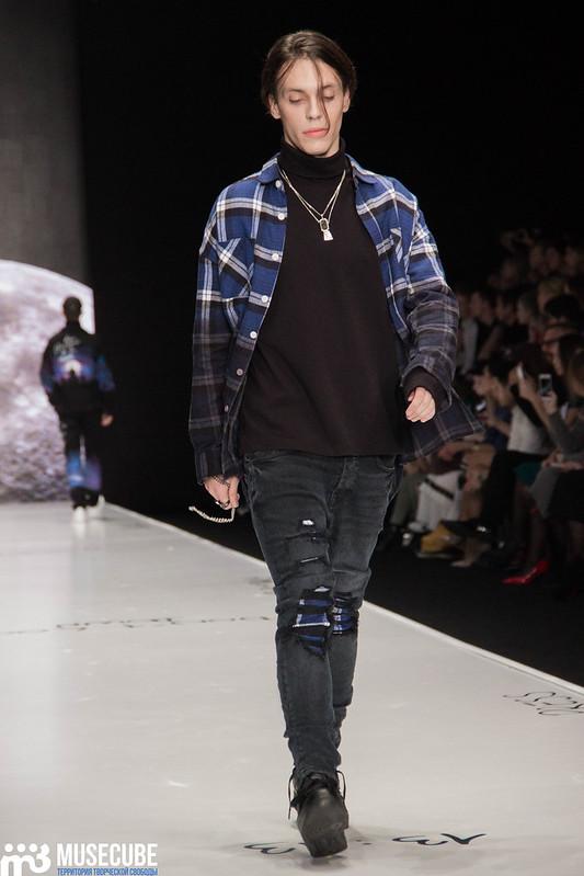 mercedes_benz_fashion_week_black_star_wear_023