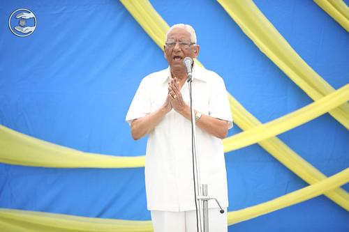 Member Incharge Sewa Dal, seeking blessings