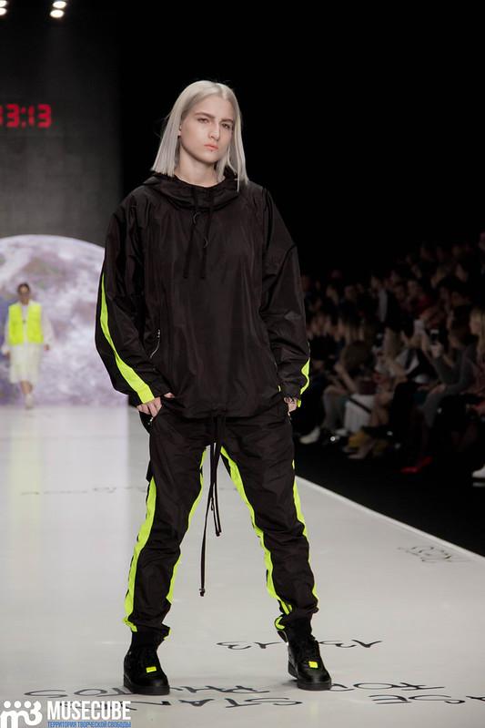 mercedes_benz_fashion_week_black_star_wear_038