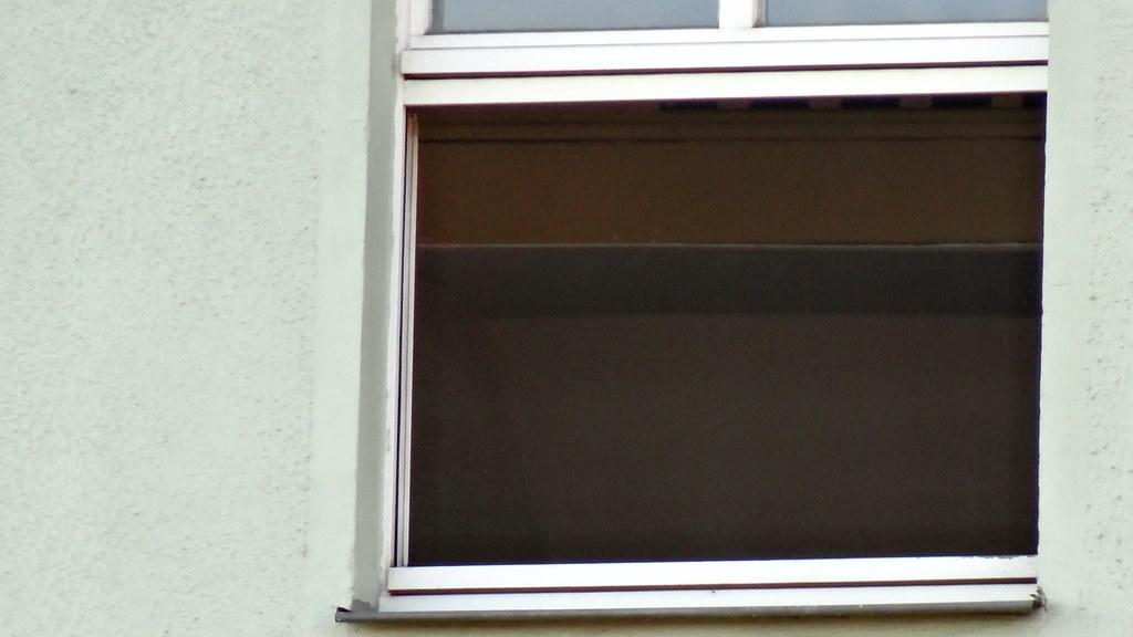Die schnell verständigte Polizei entdeckte das Drogenlabor am Dreyßigplatz Dresden in der 4. Etage, die Verdächtigen waren verletzt und konnten nicht mehr flüchteten 01679