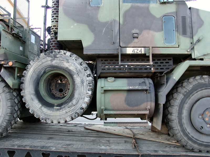 M1070 Heavy Equipment Transport 7