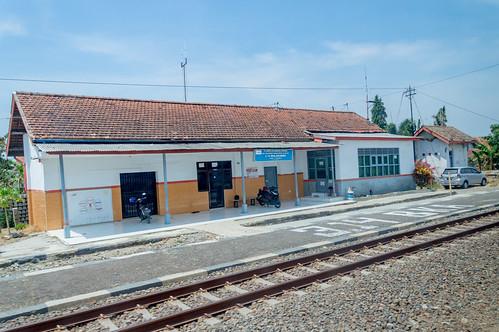 stasiun station dutch heritage railway indonesia train keretaapi rel architecture building jawatengah centraljava bulakamba brebes