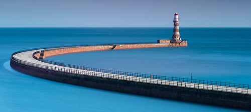 Roker Pier enjoying some sunshine | by G.A.D