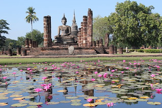Sukhothai Historical Park, Wat Mahathat | by Arian Zwegers