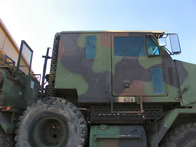 M1070 Heavy Equipment Transport 8