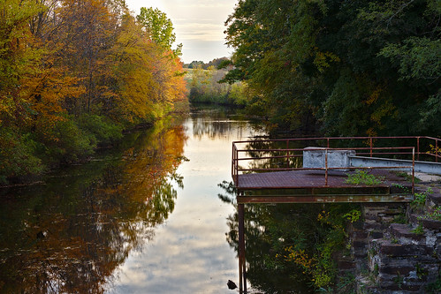 windsorlocks explore inexplore landscape goldenhour newengland connecticut darktable trees color clouds reflection foliage fall autumn suffield canal lock windsorlockscanal windsorlockscanalstateparktrail fuji xt20 xf55200