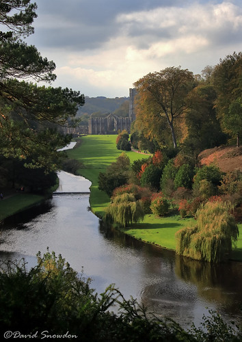 canoneos80d davidsnowdonphotography landscape fountainsabbey fountainsestate unescoworldheritagesite autumn fall northyorkshire surpriseview nationaltrust