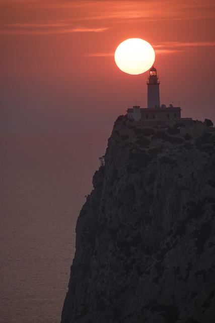 Amanecer en el Faro de Formentor