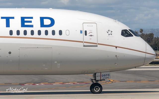 United B787-9 N26970