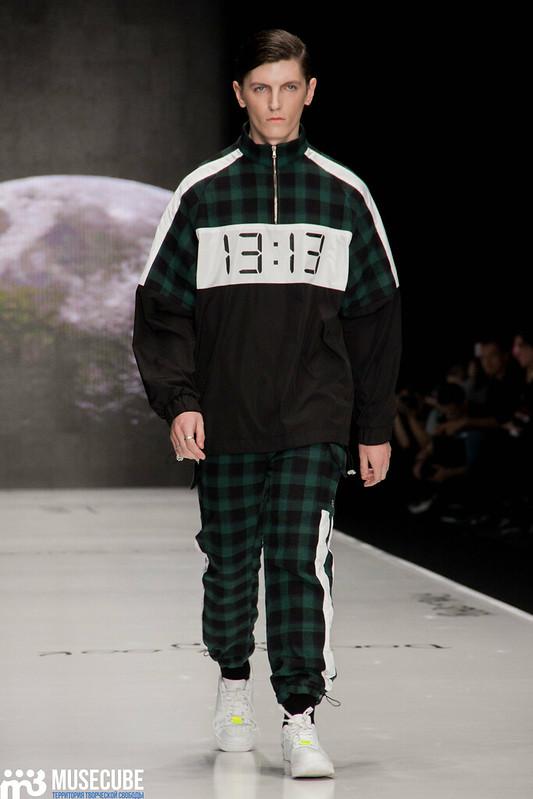 mercedes_benz_fashion_week_black_star_wear_014