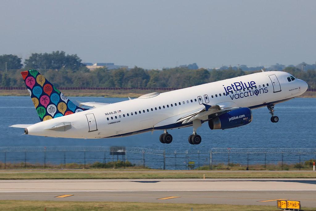 "N648JB | Airbus A320-232 | jetBlue Airways ""Hasta La Vista"" (special ""jetBlue vacations"" colours)"