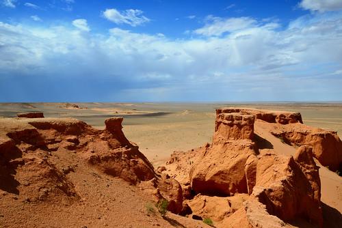 bayanzag flamingcliffs ömnögovi mongolie mongolia cliffs desert gobi gobidesert storm монголулс