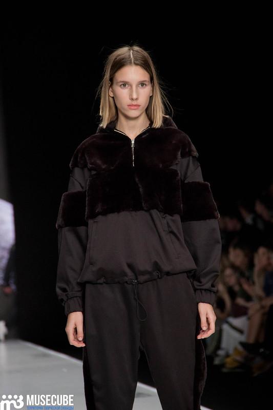 mercedes_benz_fashion_week_black_star_wear_011