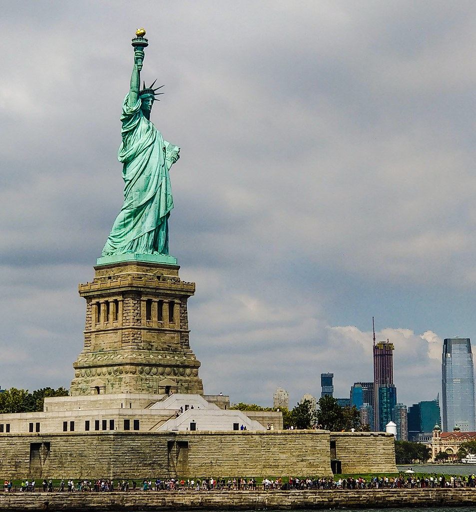 The Statue of Liberty is a large statue that stands on Liberty Island in New York Harbor. The Statue was a gift from the people of France and was dedicated on October 28, 1886.  #full_phoneography #photographersteam #world_photography_page #insta_photogra