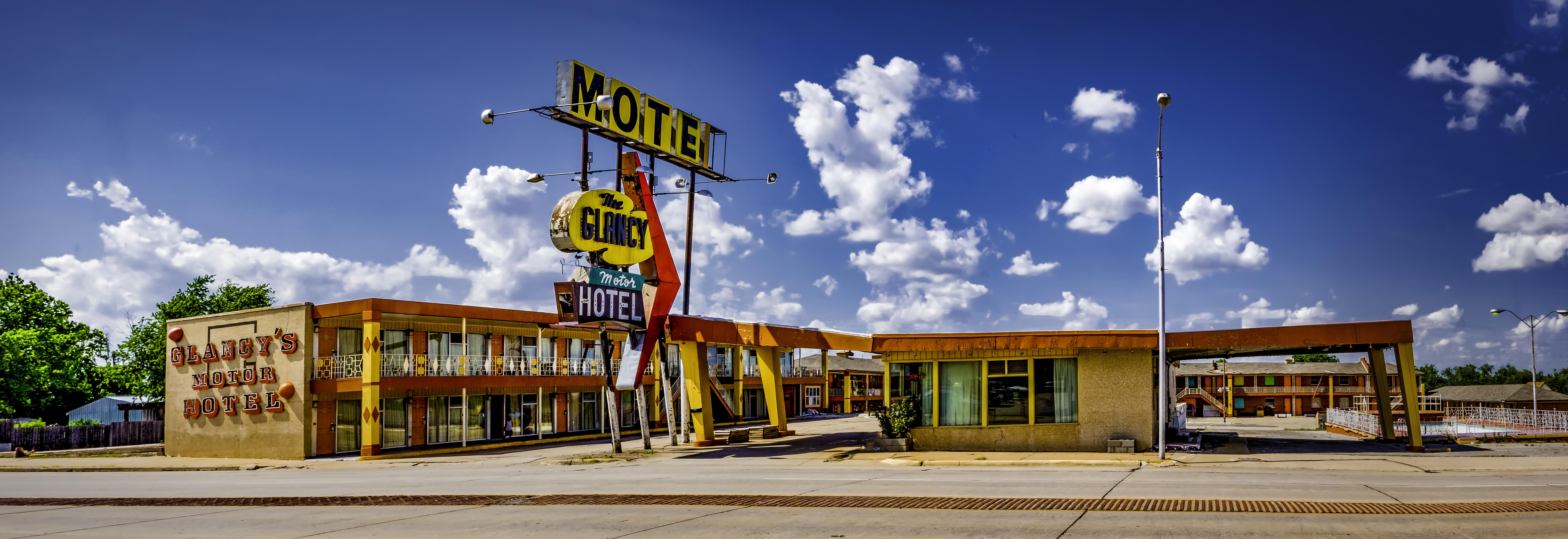 The Glancy Motor Hotel - 217 West Gary Boulevard, Clinton, Oklahoma U.S.A. - May 24, 2018