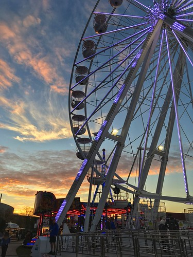 sunset sky clouds big wheel milton keynes buckinghamshire campbell park fun fair apple iphone se
