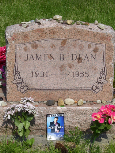 James Dean Grave with Morrissey tribute - 2 | On our way hom… | Flickr