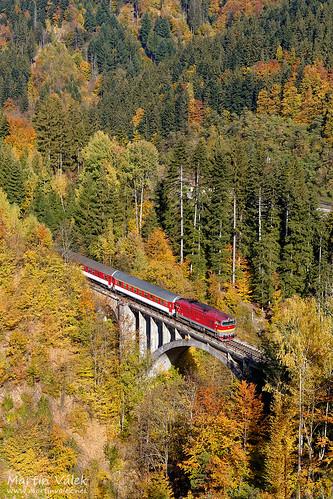 rail railway railroad train locomotive zug eisenbahn vlak železnice bridge viaduct most brücke viadukt železničnáspoločnosťslovensko brejlovec velkáfatra traťsnp trať170