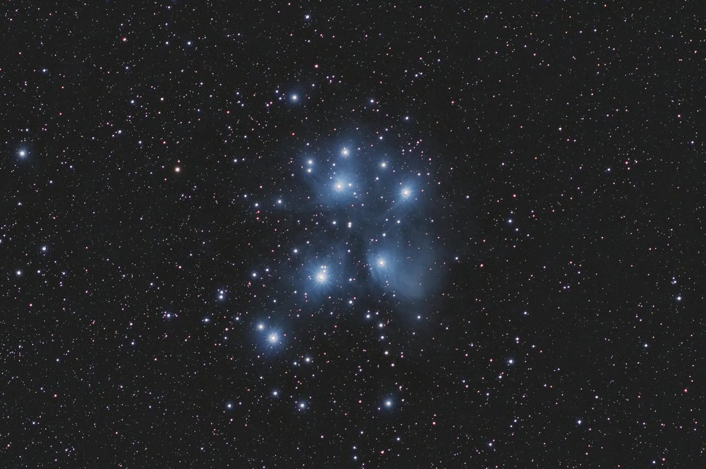 M45_EOS 600d_300mm_58x100s_ISO 1600_F5-6_Fastron-5m_v2