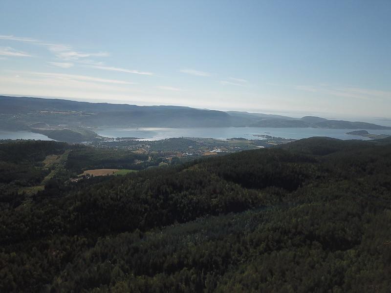 02-Utsikt mot Svelvik fra Seteråsen (drone)