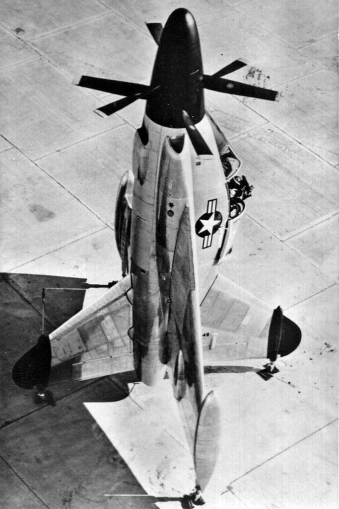 Embora fosse um turboélice, o Pogo usava uma incomum hélice de três pás contra-rotativa com 5 metros de diâmetro.