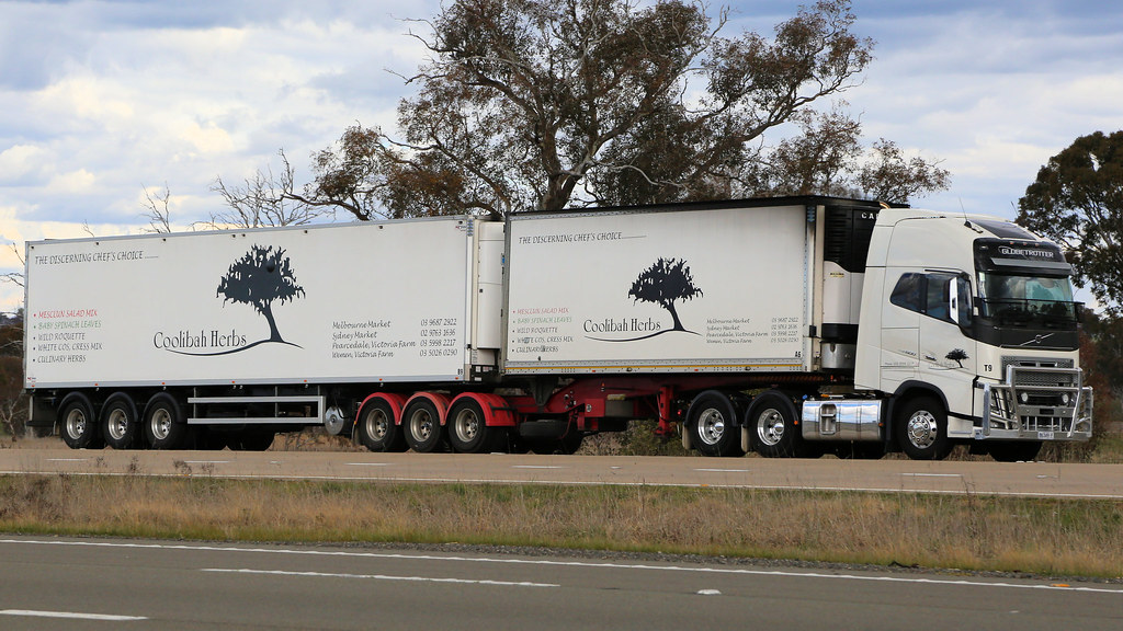 Lachlan & Hume (4/4)   On the Hume Highway at the Lachlan Va…   Flickr
